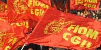Al vento rosse bandiere